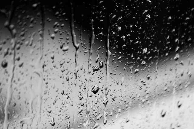 4 Martie, o zi aparent mohorâtă şi ploioasă
