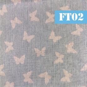 ft02 fluturi albi fundal bleu