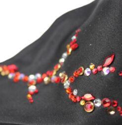 Masca fashion cu strasuri rosii